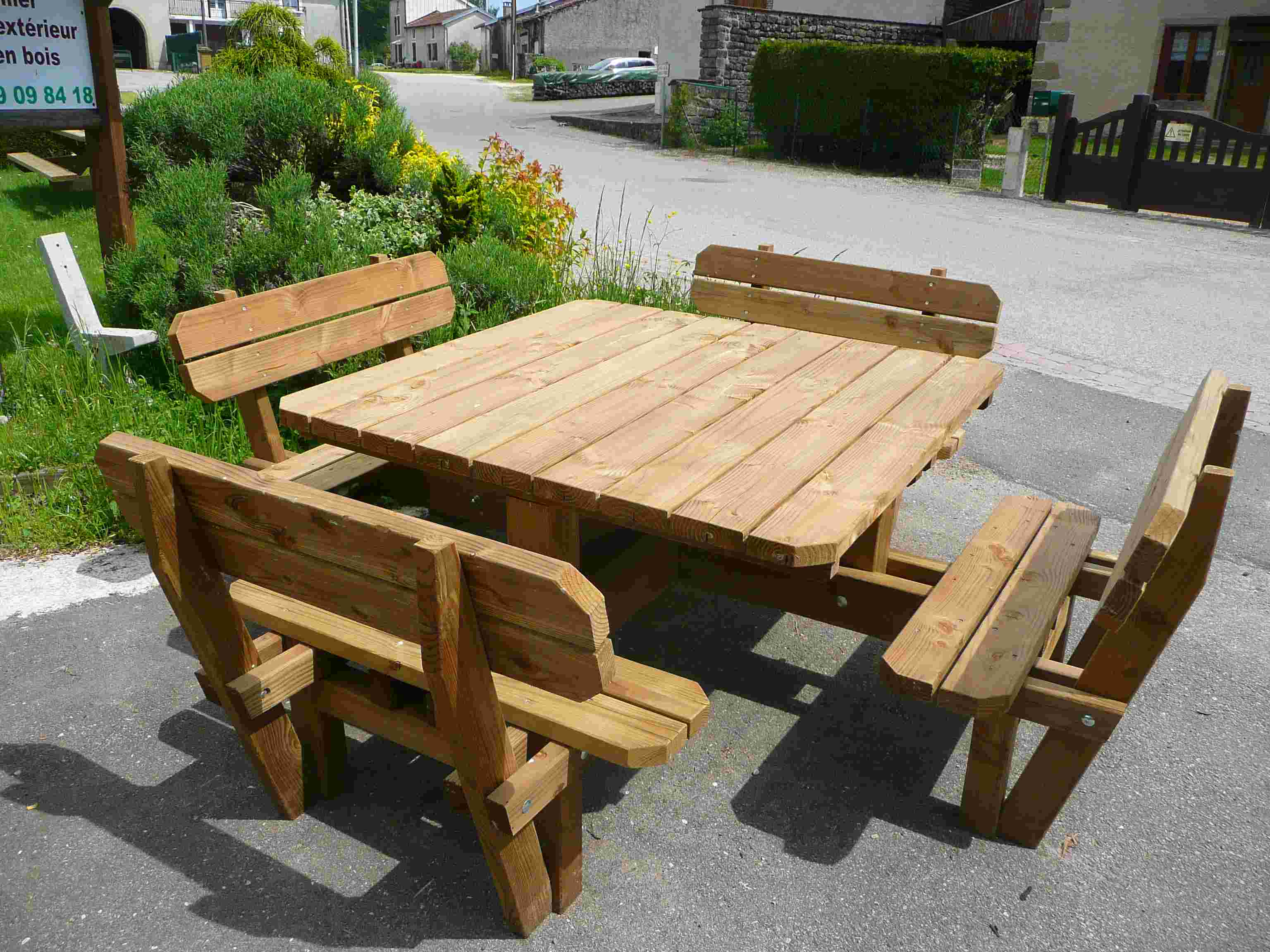 table bois picnic affordable table de piquenique en bois. Black Bedroom Furniture Sets. Home Design Ideas
